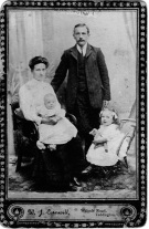 William Fredrick, Annie Harris,Gladys & Ivy in Chair Cornwill