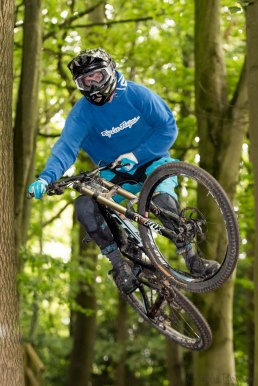 Aston Hill Downhill Moutain Bike